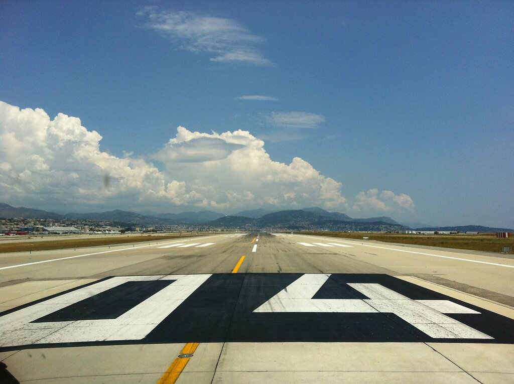 04.06.2011 Nizza | Takeoff