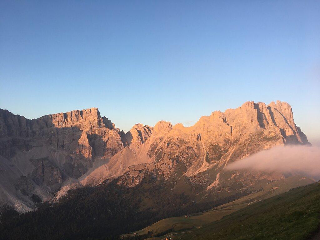13.08.2018 Die Morgensonne küsst die Berge