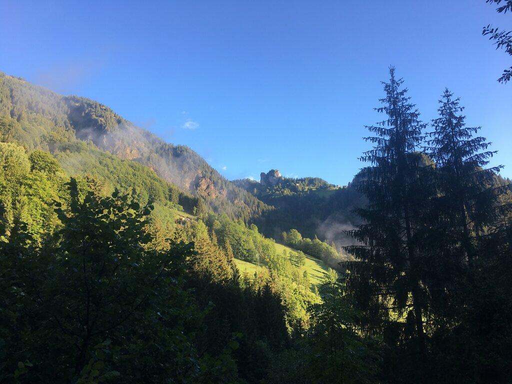 15.08.2018 Die Berge in die Morgensonne getaucht