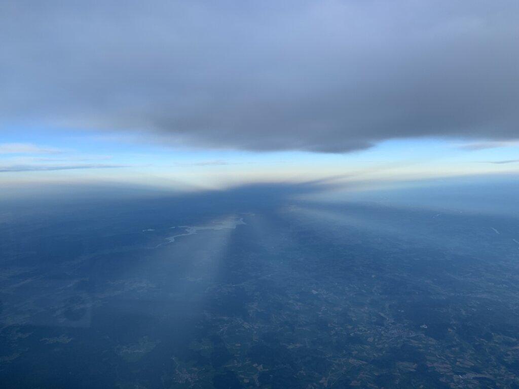 10.05.2021 München  - Warschau | Im Schatten der Wolken