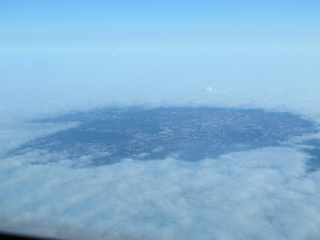 02.11.2011 Lyon - München   München heizt den Nebel einfach weg