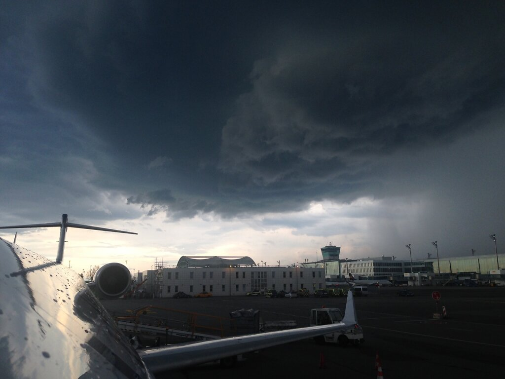 24.08.2015 München   Gewitter über München 2
