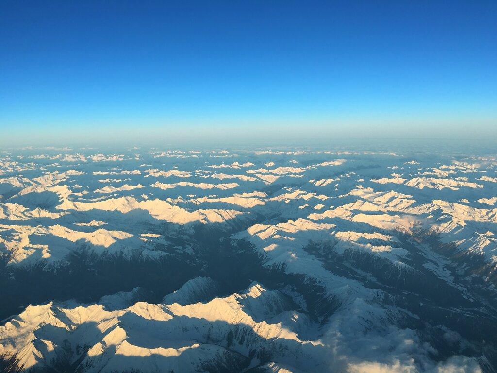 21.01.2016 München - Turin   Sonnenaufgang über den Alpen