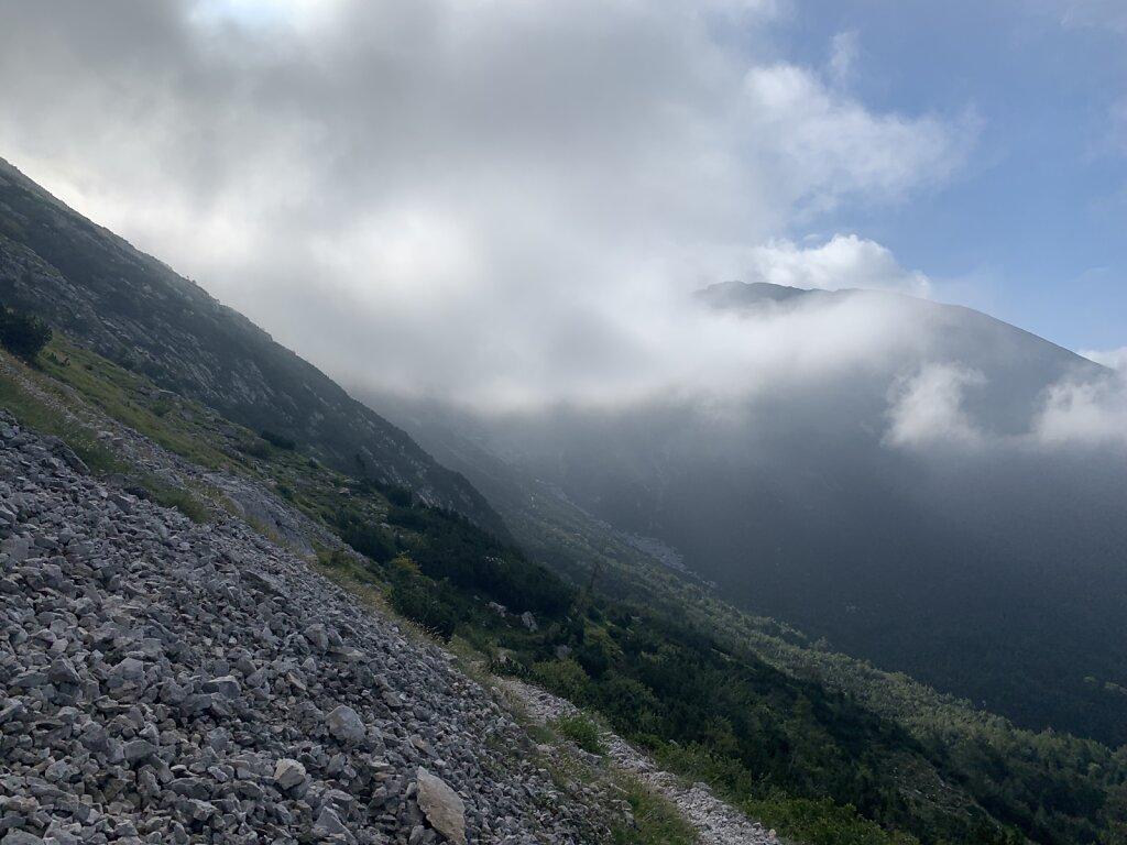 26.08.2021 Wolken kämpfen sich durch